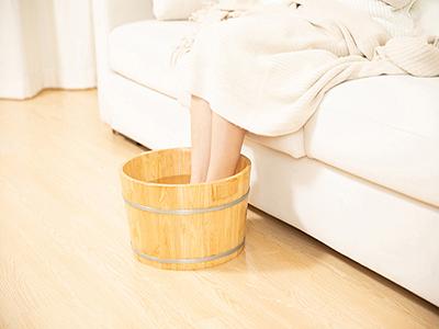 姜水泡脚可以去湿气吗 生姜泡脚的功效与作用