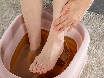 一天中最佳泡脚时间 泡脚的作用与功效