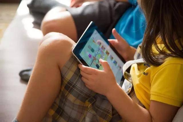儿童长期用数字设备眼睛会有哪些风险?从6方面保护孩子视觉健康!