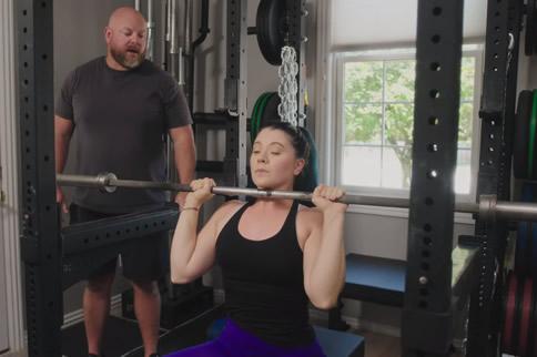 女生杠铃健身有什么好处 女生健身杠铃多重合适
