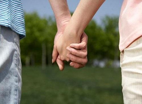 多大年龄开始性生活最合适?过早性生活有哪些危害?