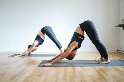 瑜伽健身解决痛经问题